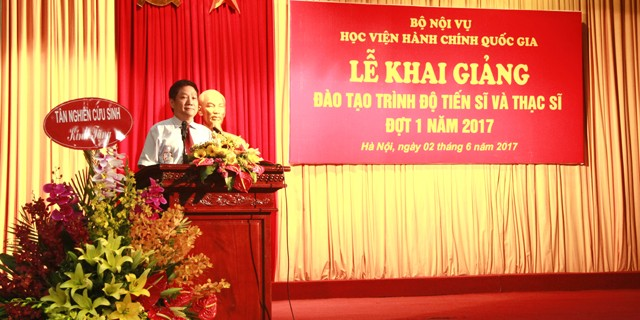 Dr. Le Nhu Thanh, NAPA Permanent Vice President delivers a speech in the ceremony