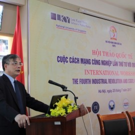Assoc. Prof. Dr. Tran Dinh Thien, Director of Vietnam Institute of Economic giving a speech at the seminar