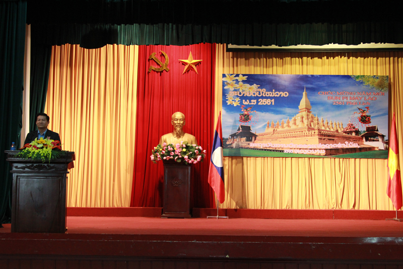Mr. Khamsinh Doangvandi, Counselor of Laos Embassy to Vietnam giving a speech in the ceremony