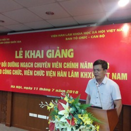 Assoc. Prof. Dr. Dang Minh Duc, Representative of the training course participants delivers a speech in the ceremony