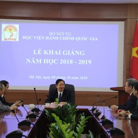 Dr. Le Vinh Tan, Minister of Home Affairs have a meeting with board of director