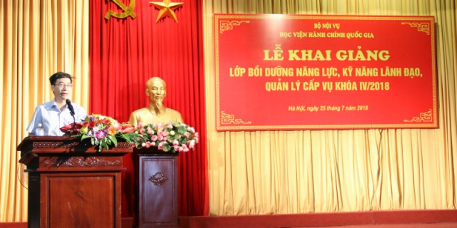 Assoc. Prof. Dr. Luong Thanh Cuong, NAPA Vice President delivers a speech in the ceremony