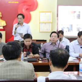Dr. Chu Xuan Khanh, Dean of ... Faculty giving a speech in the seminar