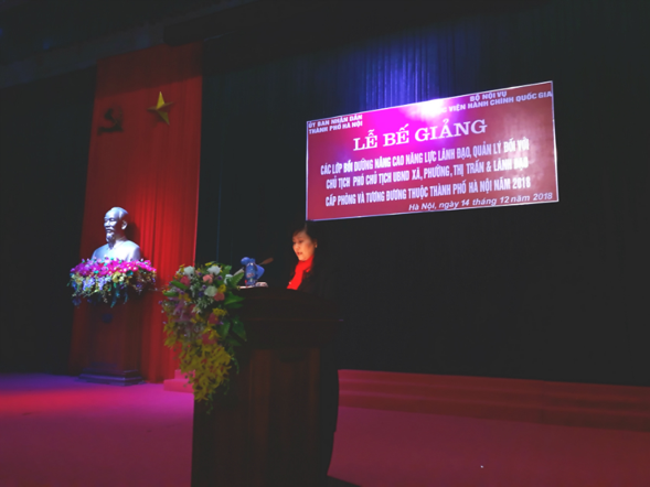 Ms. Le Phuong Thuy, Deputy Director, Department of Refresher Training Management, NAPA delivers a speech in the ceremony
