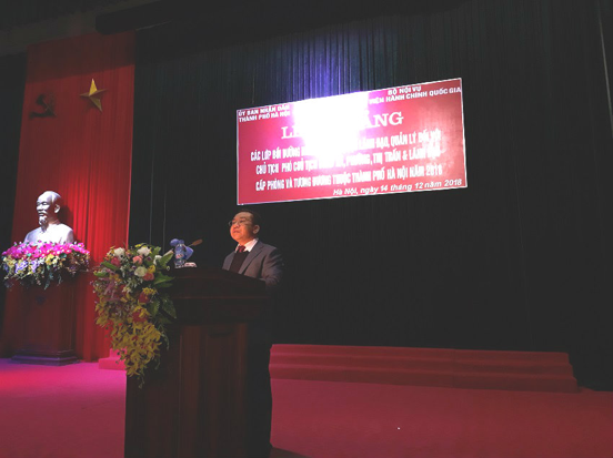 Dr. Nguyen Dang Que, NAPA Vice President delivers a speech in the ceremony