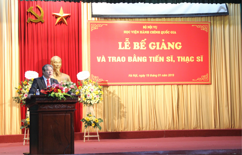Dr. Dang Xuan Hoan, NAPA President giving a speech at the ceremony