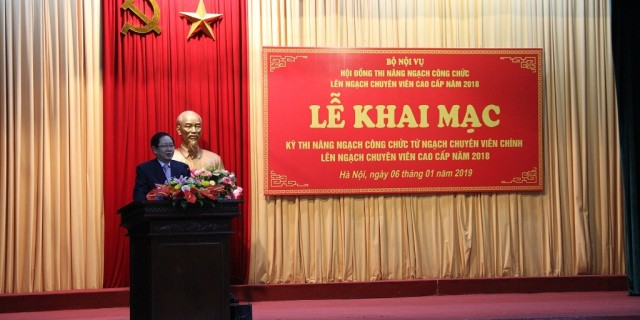 Mr. Le Vinh Tan, Minister of MOHA delivers a speech