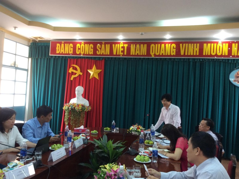 Dr. Phan Anh He – Head of Division, Faculty of State Management of Social Affairs giving a speech