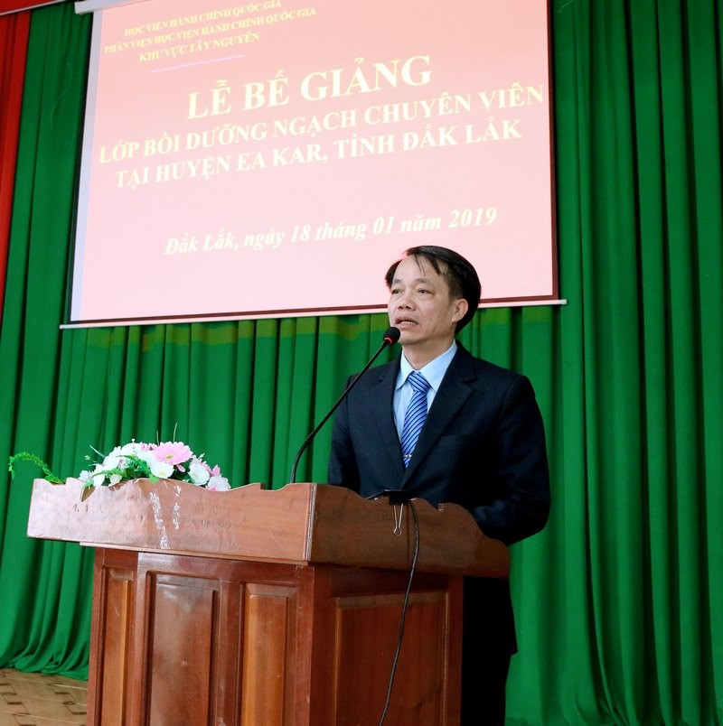 Dr. Le Van Tu, Head of Training Management,  delivered speech at the closing ceremony