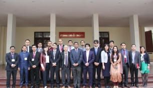 Dr. Vu Thanh Xuan, NAPA Vice President and students of the Master in Governance and Development Program, BRAC University, participating the  overseas study visit to Vietnam.