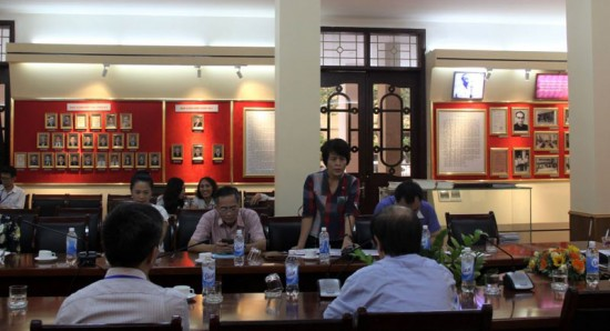 Dr. Nguyen Thi Thanh Thuy, Deputy Head of the Faculty of Administrative Sciences and Organization – Personnel Management speaking at the seminar
