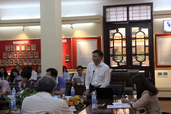 Dr. Chu Manh Hung, Hanoi Law University speaking at the seminar