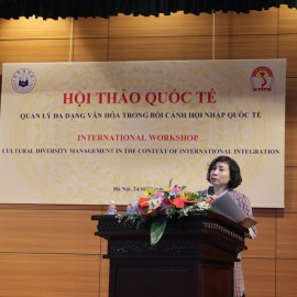 Dr. Nguyen Thi Huong, Institute of Administrative Sciences, NAPA   There was active interaction between the workshop presenters and participants.