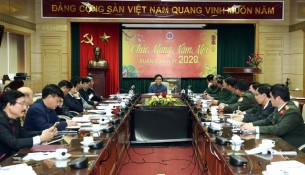 Deputy Primer Minister Vu Duc Dam asked the Ministry of Health to prepare medicines and necessary equipment, and promptly detect and quarantine nCoV patients, and urged centrally-run and provincial hospitals to swiftly set up emergency teams in localities