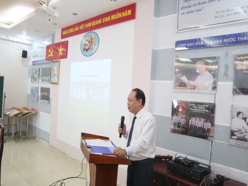 Dr. Ha Quang Thanh speaking in the Closing Ceremony