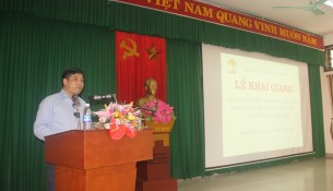 Assoc.Prof.Dr. Nguyen Hoang Hien, Deputy Director, NAPA Branch Campus in Hue city speaking at the event