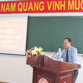 Dr. Ha Quang Thanh speaking at the opening ceremony