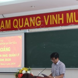Dr. Nguyen The Tai announcing decisions of organization of the training course