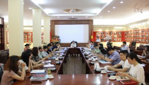Dr. Nguyen Quang Vinh - Editor-in-Chief of the State Management Review has presented the Report of the State Management Review Online over the last year.