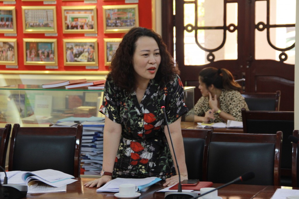 Assoc.Prof.Dr. Tran Thi Dieu Oanh, delivering a speech at the seminar