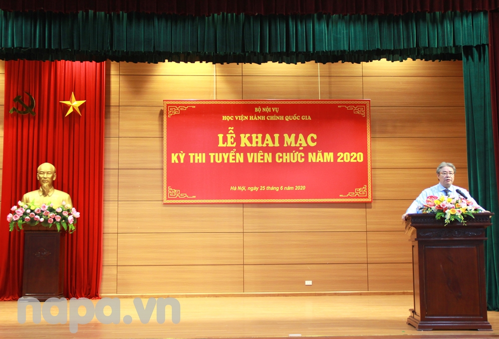 Dr. Dang Xuan Hoan, NAPA President speaking at the opening ceremony