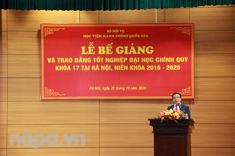 Dr. Nguyen Dang Que, NAPA Vice President spoke at the Closing Ceremony