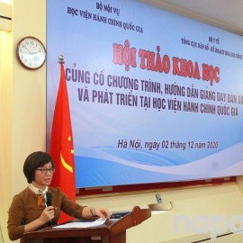 Dr. Ta Thi Huong speaking at the workshop