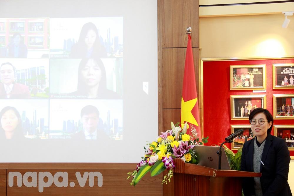 Ms. Nguyen Ta Ha My speaking at the workshop