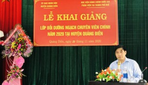 Assoc.Prof. Dr. Nguyen Hoang Hien, Deputy Director General, NAPA Branch Campus in Hue city speaking at the event