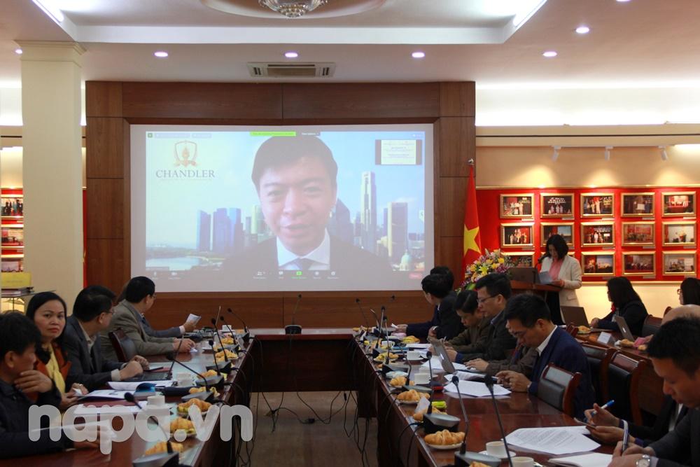 Mr. Wu Wei Neng spoke at the workshop
