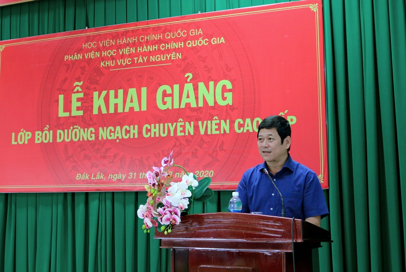 Mr. Bach Van Manh, Director General, Department of Home Affairs of Dak Lak  province speaking at the ceremony