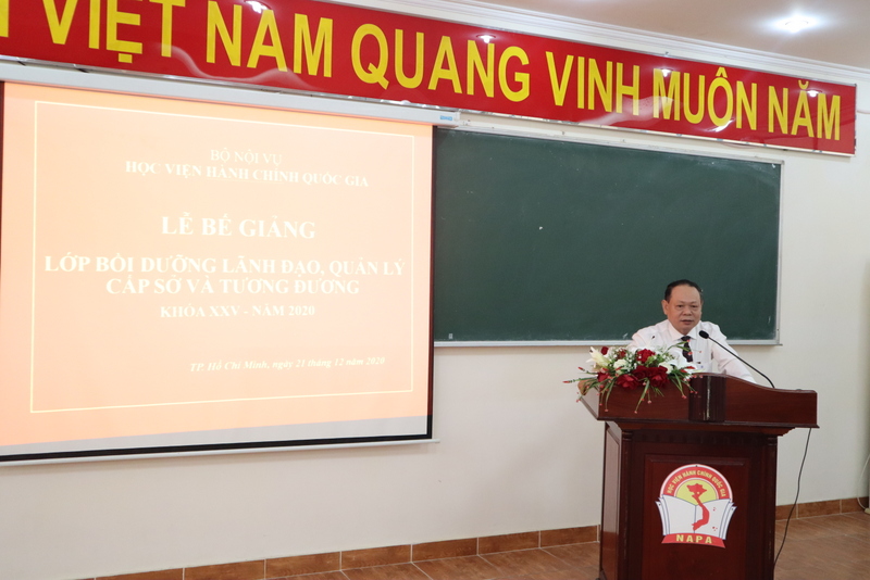 Dr. Ha Quang Thanh, Permanent Deputy Director General, NAPA Branch Campus in Ho Chi Minh city speaking at the ceremony