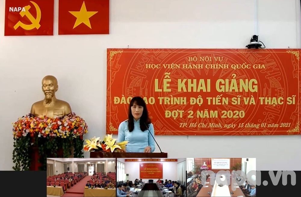 Assoc.Prof.Dr. Hoang Mai announces the Decisions at the Opening Ceremony