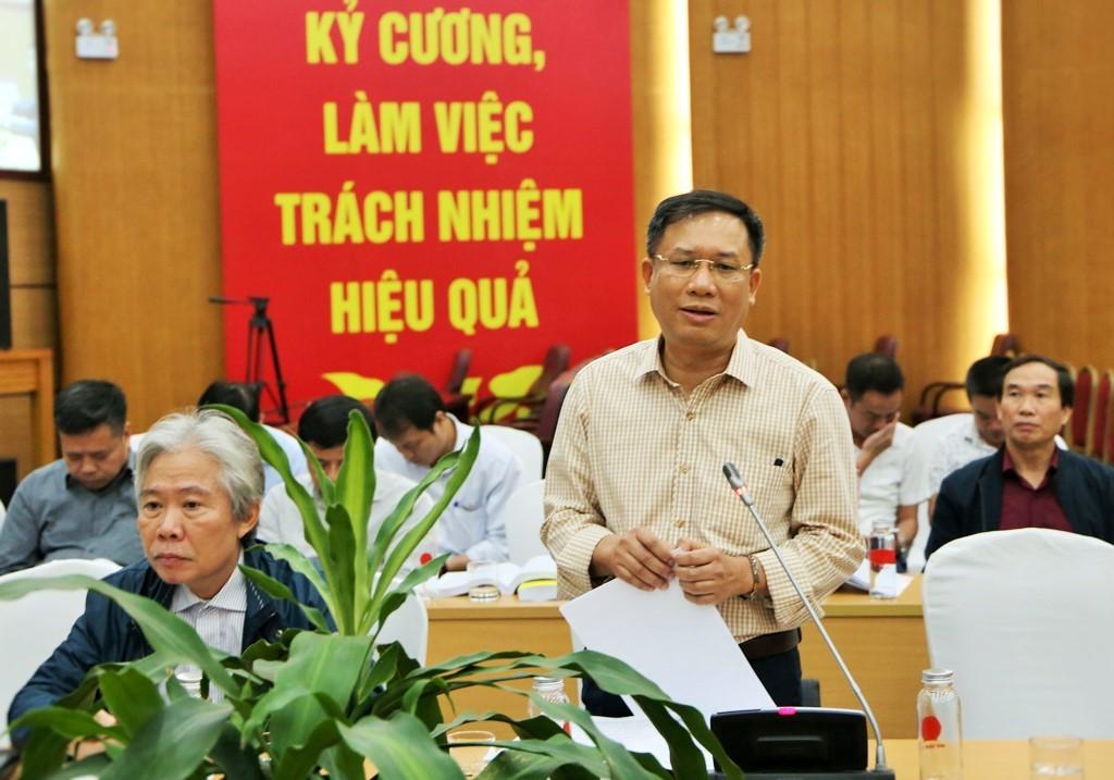 Mr. Le Hung Son, Deputy General Director of Vietnam Social Security speaking at the workshop