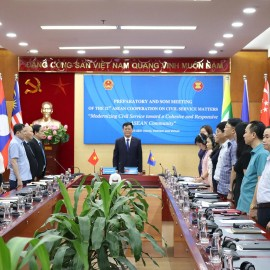 Deputy Minister Nguyen Duy Thang delivering an opening speech at the preparatory meeting