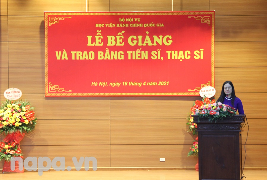 Dr. Le Anh Xuan, Deputy Director, Department of Graduate Training Management  announcing the decision of  conferment of doctoral degrees