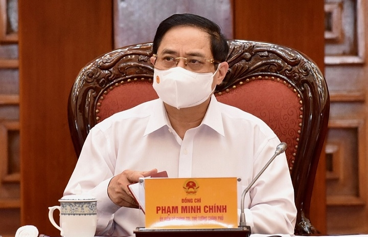 Prime Minister Pham Minh Chinh speaking at the meeting