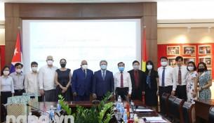 Cuban Embassy delegation and NAPA