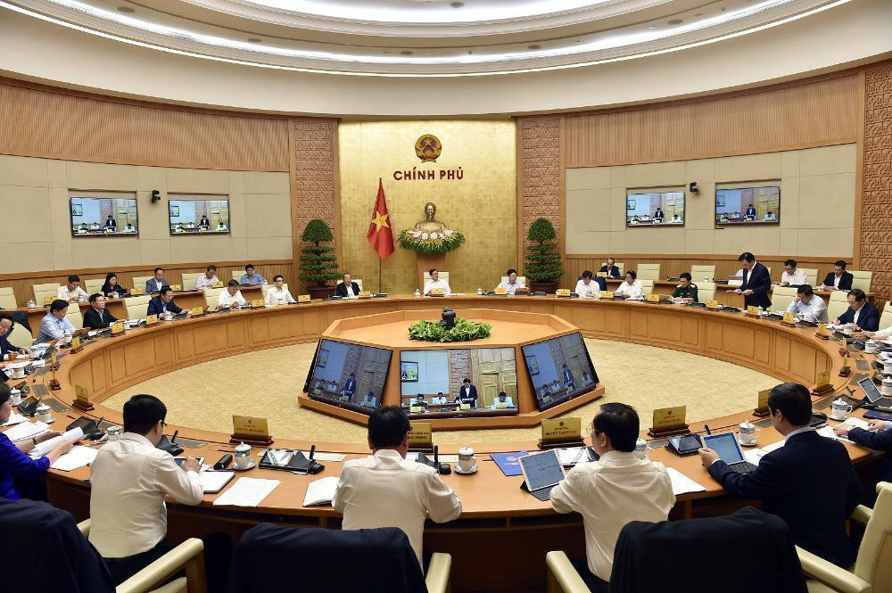 On April 15, Prime Minister Pham Minh Chinh chaired the first meeting of the new cabinet. Photo: Nhat Bac