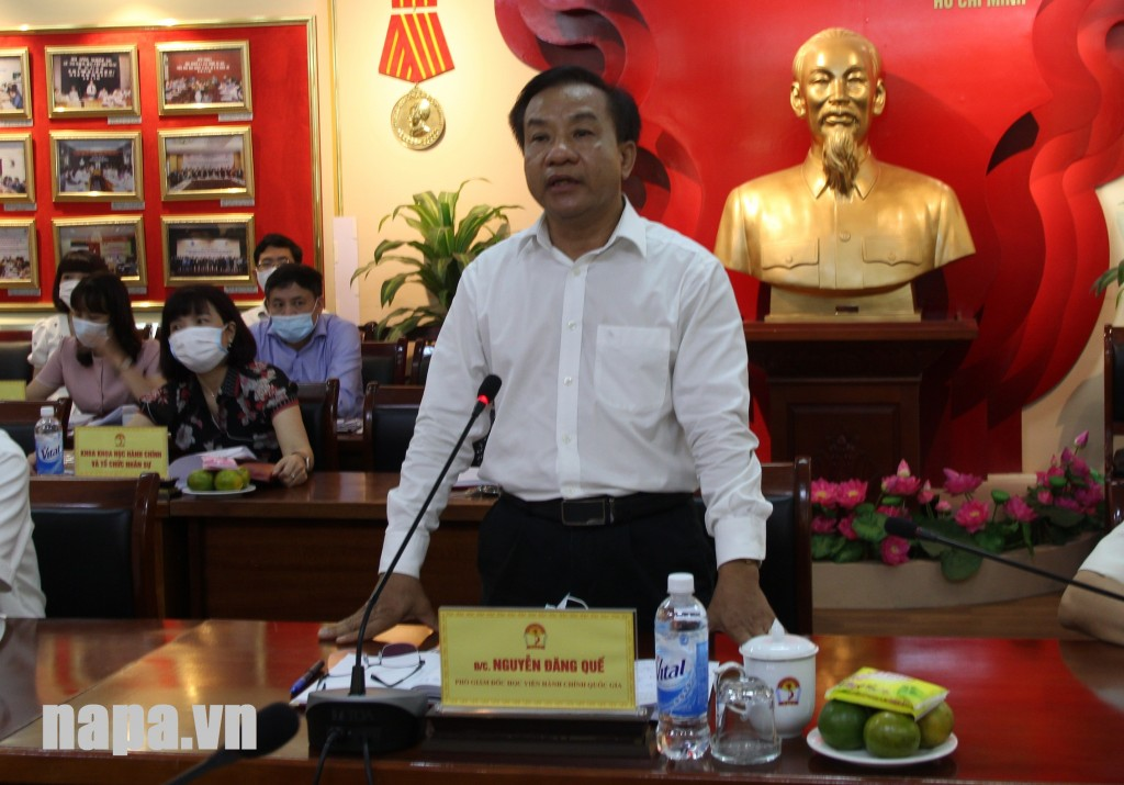 Dr. Nguyen Dang Que, NAPA Vice President spaeking at the working session.