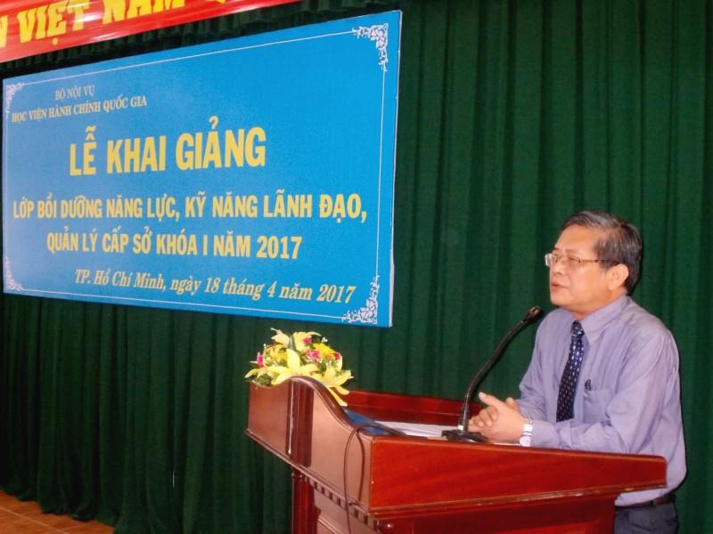 Khai giang lop boi duong nang luc lanh dao cap so khoa 1-2017 _ 3