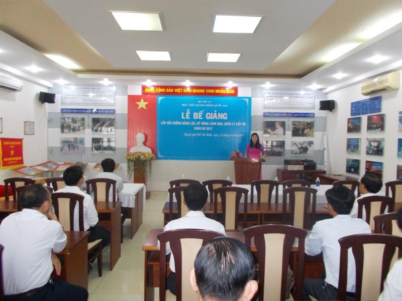 Bế giảng Lớp BDNLLD cấp Sở KIII 2017 _ 1