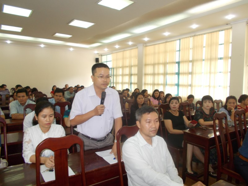 Giám đốc HVHCQG gặp CB,NV,NLĐ cơ sở TPHCM _ 9