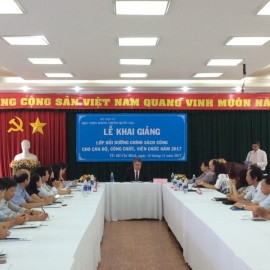 Khai giảng lớp bồi dưỡng lop Chinh sach Cong 2017 _ 1