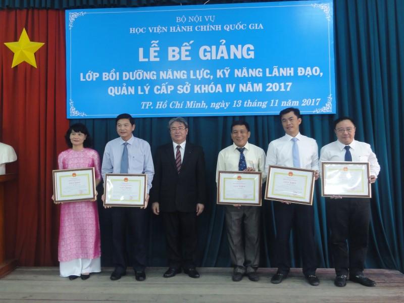 Le Be giang Lop Lanh dao Cap so K IV 2017 _ 5