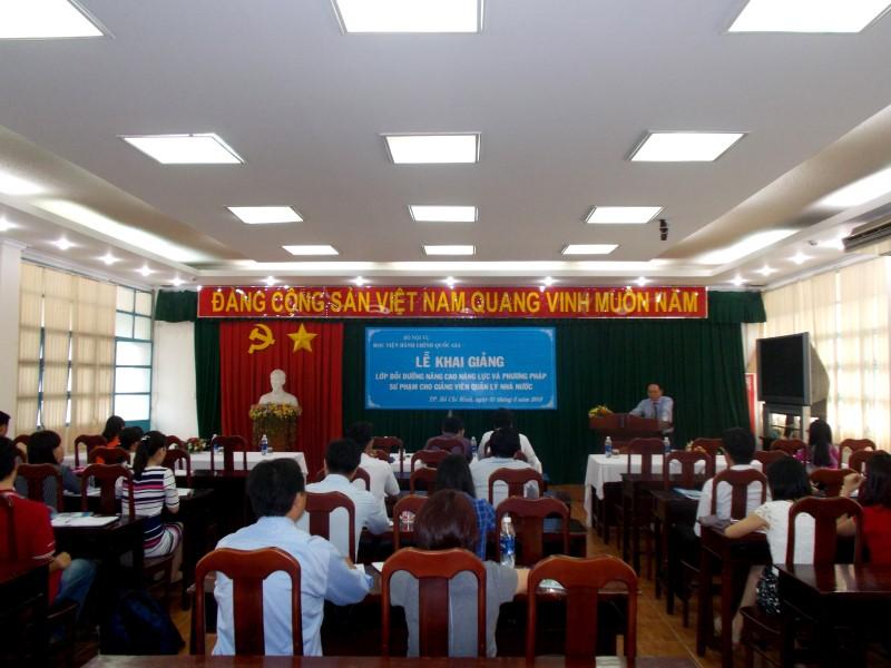 Khai giảng lớp bồi dưỡng nâng cao năng lực và phương pháp sư phạm _ 1