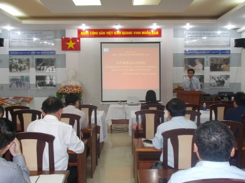 Bế giảng 2 Lớp bồi dưỡng kỹ năng lãnh đạo _ 1