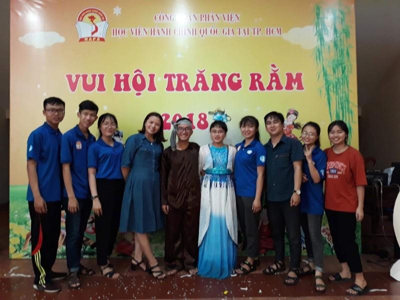 Vui hoi Trang ram 2018 _ 10