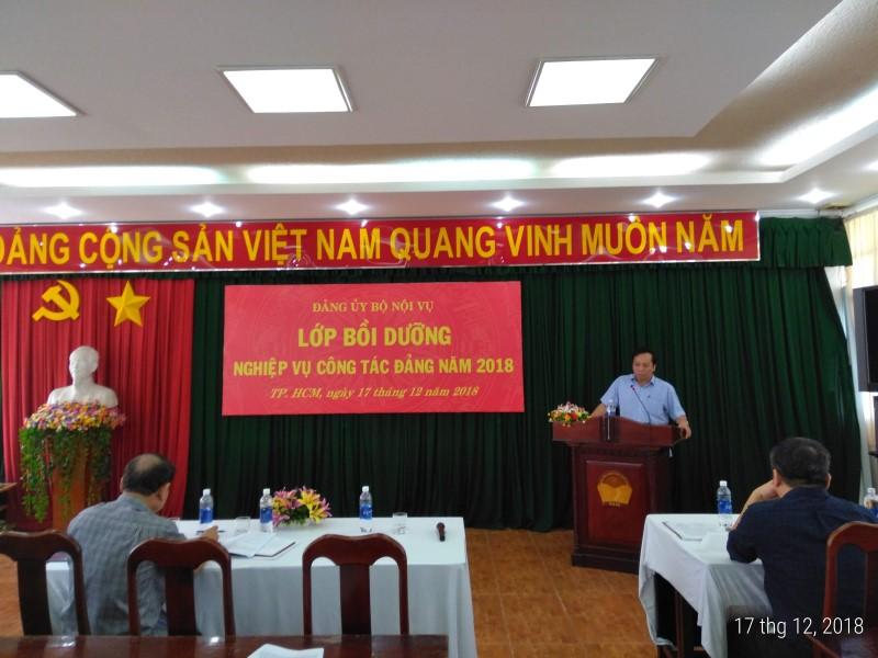 Đảng ủy Bộ Nội vụ tổ chức Lớp Bồi dưỡng nghiệp vụ công tác Đảng _ 4
