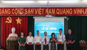 Bế giảng Lớp bồi dưỡng ngạch Chuyên viên Cao cấp khóa II năm 2019 _ 4